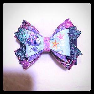 ✨6 for $30 Rainbow Fish Bow 🎀